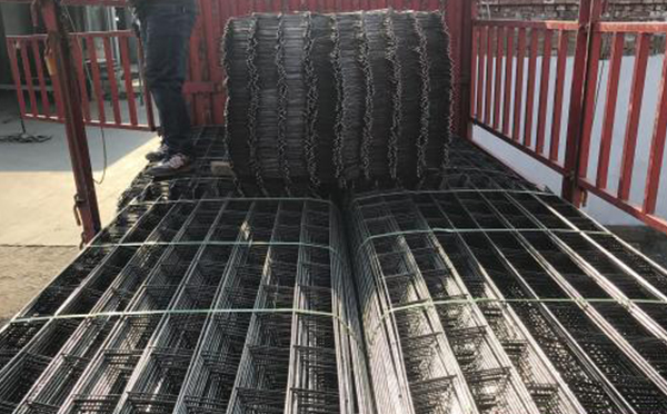 顶焊砖带网案例